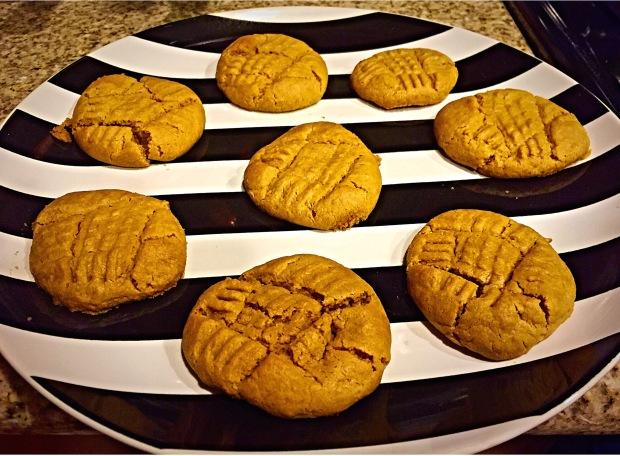 Flowerless Peanut Butter Cookies